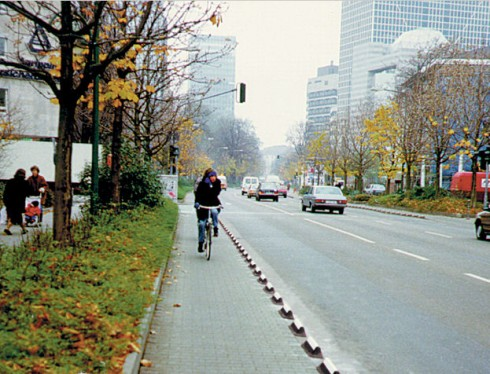 Traffic Logix Cycle Lane raised barrier